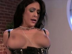 Busty babe Jessica Jaymes bouncing hard